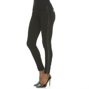 Kardashian Kollection Skinny Jean!